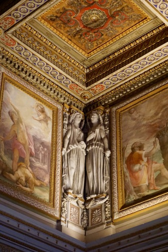 inside-vatican-museum