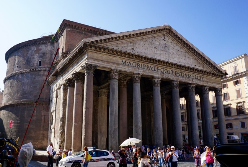pantheon-outside