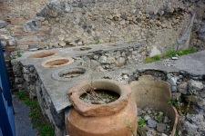 pompeii-pots